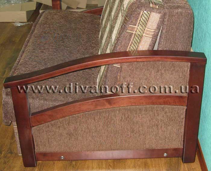 диван Американка с деревянными подлокотниками